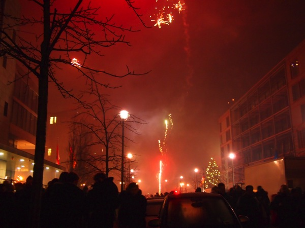 P1012928 ロケット花火で命の危機!年末にベルリンのカウントダウンに参加してみた!