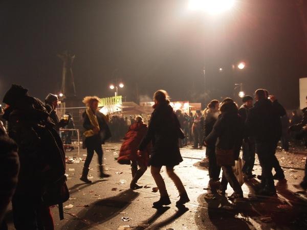 P1012954 ロケット花火で命の危機!年末にベルリンのカウントダウンに参加してみた!