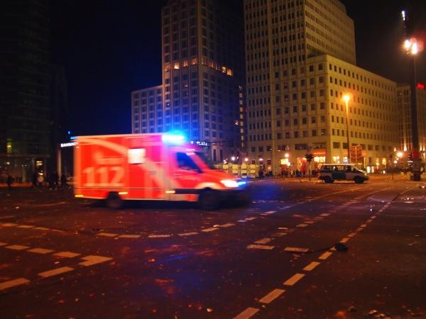 P1012968 ロケット花火で命の危機!年末にベルリンのカウントダウンに参加してみた!