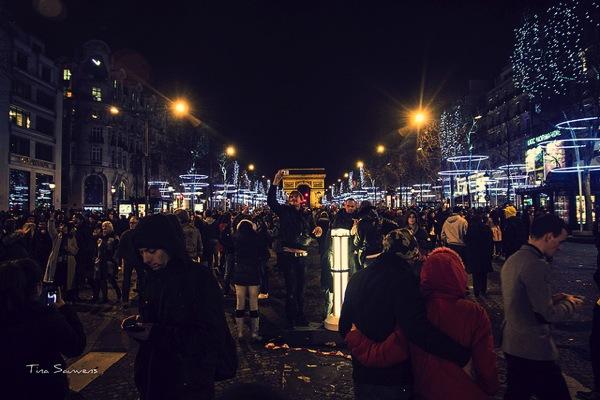 newyear paris Tina Sauwens ドイツの年末はアレの解禁日!ドイツで話題のカウントダウンってどこ?
