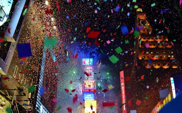 newyork gigi nyc ドイツの年末はアレが解禁!過激なベルリンのカウントダウンイベントとは?