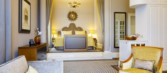 AlthoffGrandhotelSchloss Bensberg 546x240 憧れの中世を体験!ドイツ厳選の泊まれる14の古城ホテル!