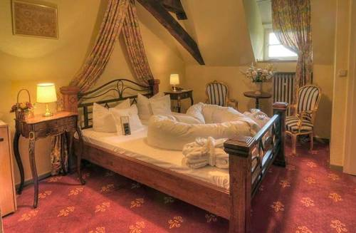 HotelBurgTrendelburg room 憧れの中世を体験!ドイツ厳選の泊まれる14の古城ホテル!