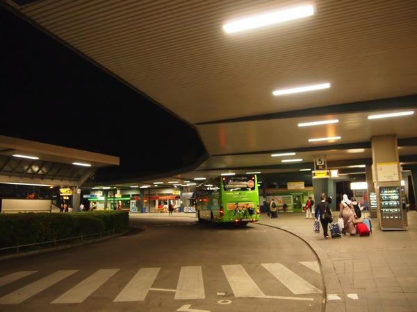 P5314838 快適で便利!ドイツ旅行にはバスの利用が格安でおすすめ!