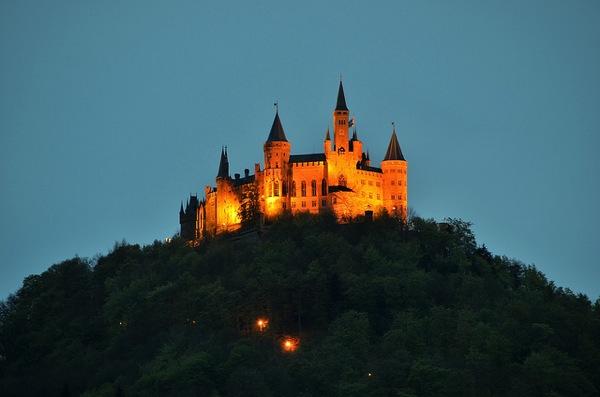 hohenzollern Roland Marte どう見てもラピュタ…天空に浮かぶホーエンツォレルン城とは?