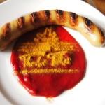 各国の首脳も愛したカリーブルストが味わえるベルリンのレストランとは?
