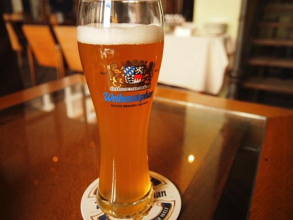 P3047731 各国の首脳も愛したカリーブルストが味わえるベルリンのレストランとは?