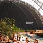 ベルリン近郊のデカすぎる室内プールがまるで地上の楽園だった…