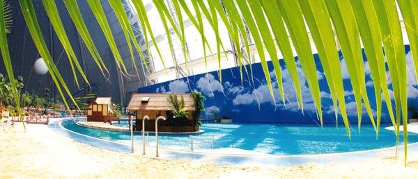 toropicalpool2 ベルリン近郊のデカすぎる室内プールがまるで地上の楽園だった