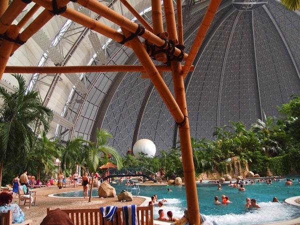 P5173469 ドイツのプール楽園すぎ!混浴温泉のある巨大プール「トロピカルアイランド」に行ってみた!