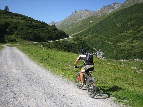 mountain bike 604749 640 女子こそ美味いドイツビール!サントリーのラドラーを飲んでみた!
