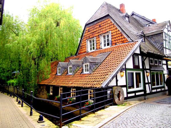 22bc576f63c848f0514bdf3cd0e22764 美味いドイツ料理ならここで!ドイツの穴場ゴスラー観光がオススメ!
