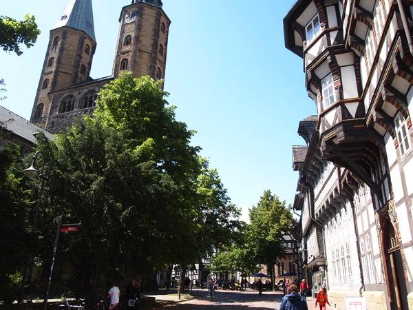 2cb47c5c94c6b7636c7b07eb9adba104 ドイツの山間に広がる歴史都市ゴスラー