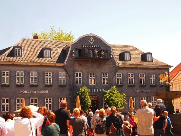 3205a2c9b640b2101eea5e026cc1ce0e ドイツの山間に広がる歴史都市ゴスラー