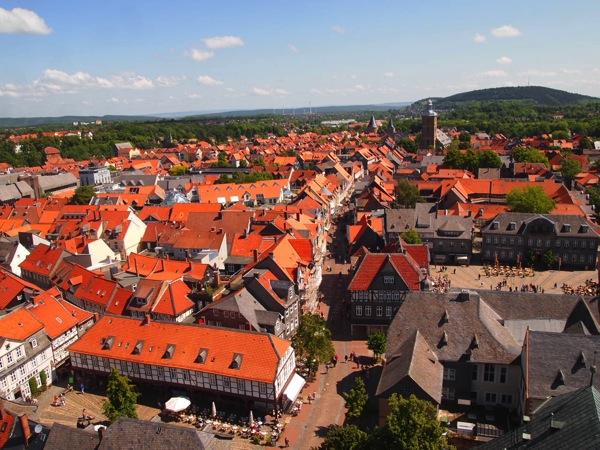 ドイツの山間に広がる歴史都市ゴスラー