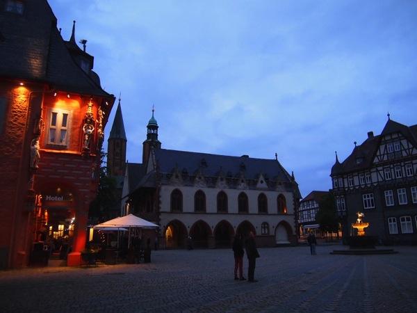 a497cc35bb895d52a54f432b8ba5aacb ドイツの山間に広がる歴史都市ゴスラー