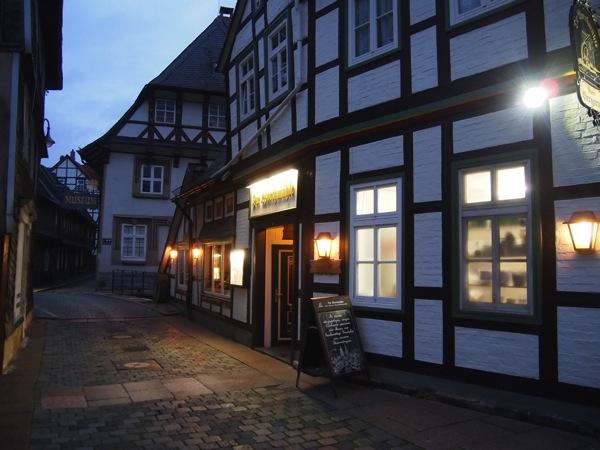 a497cc35bb895d52a54f432b8ba5aacb1 ドイツの山間に広がる歴史都市ゴスラー