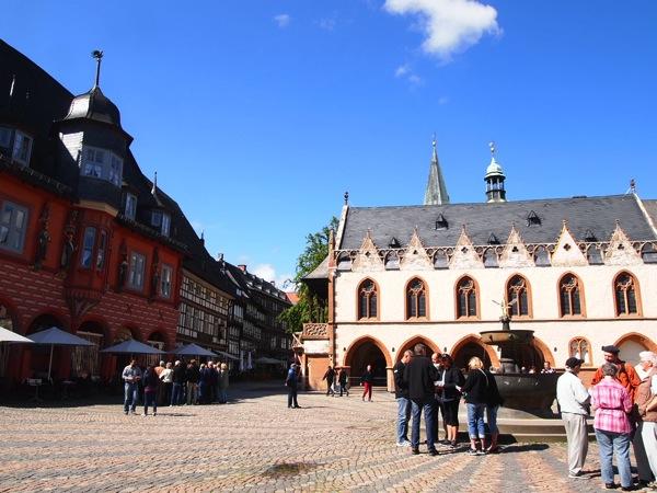 aae7452cebc4131e2aa3b9a1e20d20a2 ドイツの山間に広がる歴史都市ゴスラー