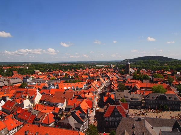 fe426de011359fa1926d1949911fc11b ドイツの山間に広がる歴史都市ゴスラー