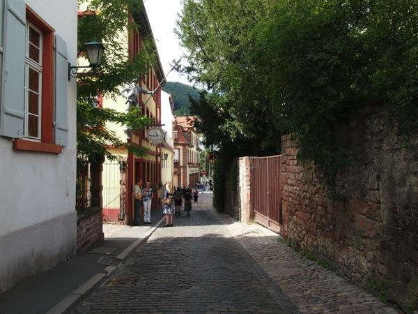 P1010040 城下街がメルヘンすぎる!南ドイツ旅行におすすめの街ハイデルベルク