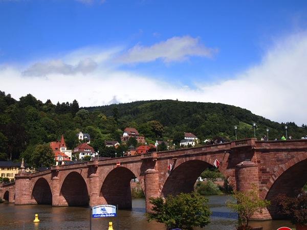 P8142127 城下街がメルヘンすぎる!南ドイツ旅行におすすめの街ハイデルベルク