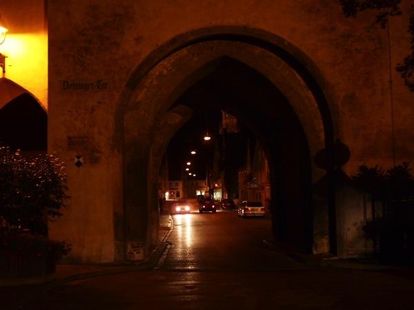 nordlingen entrance ネルトリンゲンは進撃の巨人の聖地?3つの特徴を調査した結果…