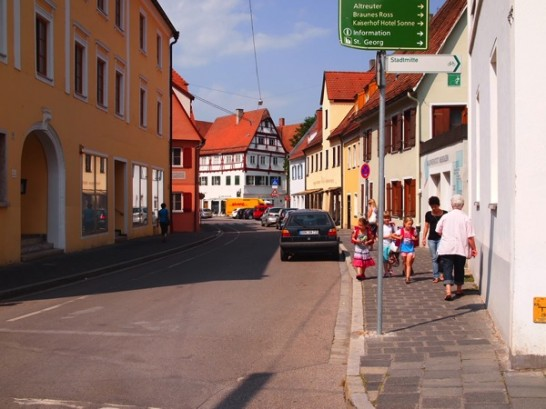 nordlingen town1 546x409 ドイツおすすめ観光地ベスト30!世界1番人気はネズミの国!