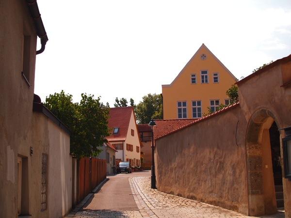 nordlingen town2 ネルトリンゲンは進撃の巨人の聖地?3つの特徴を調査した結果…