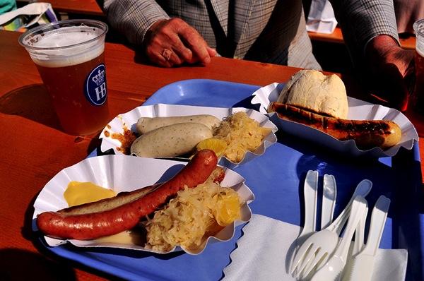 deutschefest food ドイツの魅力その全てが詰まった5日間…ドイツフェスティバル2015開催!