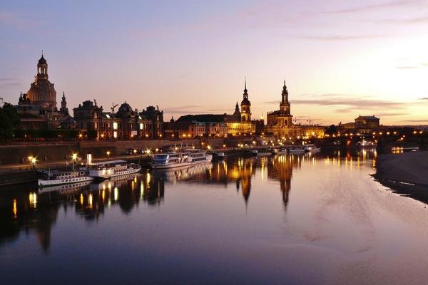 dresden 806325 1920 ドイツおすすめ観光地ベスト30…世界1番人気はネズミの国!