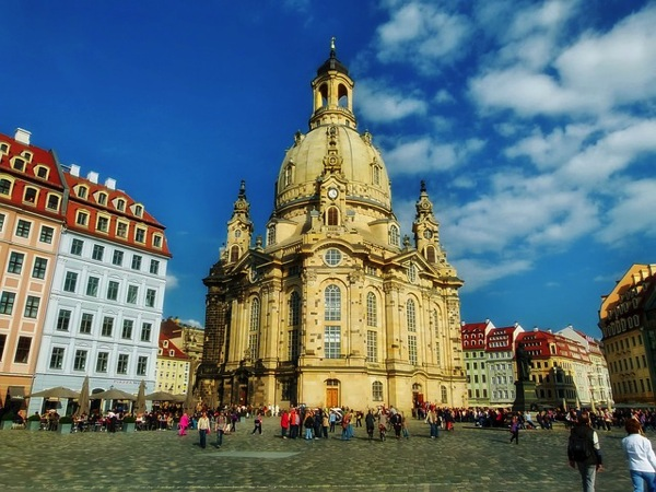 frauenkirche 352537 640 ドイツおすすめ観光地ベスト30!世界1番人気はネズミの国!