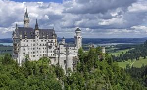 neuschwanstein castle 300x185 2016年ドイツ総選挙!ドイツのおすすめ観光地ベスト100決定!