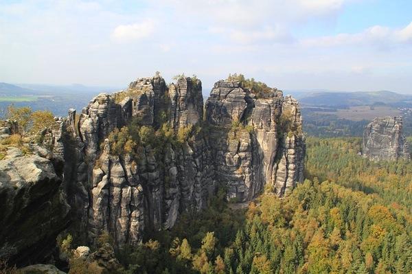 saxsen カラフルすぎる家に空キャンプ!世にも奇妙なドイツの観光スポット8選