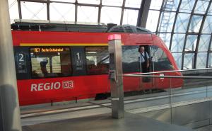 db train 300x185 簡単に解説!ドイツで電車の切符の買い方と乗り方