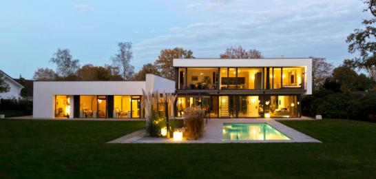 HausF 546x260 斬新デザインで世界が震撼!世界遺産バウハウスとは?ドイツの美しい部屋と家8選も合わせてどうぞ