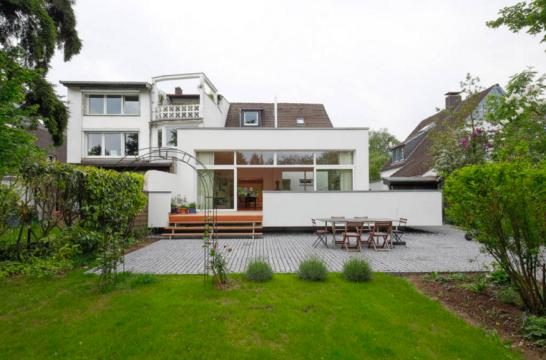 HausWW 546x360 斬新デザインで世界が震撼!世界遺産バウハウスとは?ドイツの美しい部屋と家8選も合わせてどうぞ