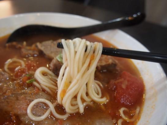 P3171813 546x409 台北でわざわざ食べる価値あり!洪師父牛麺のトマト麺が美味い!