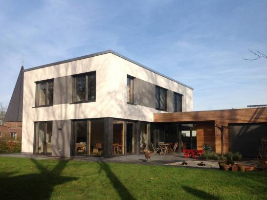 PLUS Energie Passivhaus 546x409 斬新デザインで世界が震撼!世界遺産バウハウスとは?ドイツの美しい部屋と家8選も合わせてどうぞ