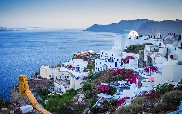 oia 学生に人気の国は?卒業旅行で行きたい10の海外ランキング