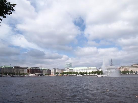 P5314526 546x409 銀色に輝く水上コンサートホールがドイツ・ハンブルクに登場!