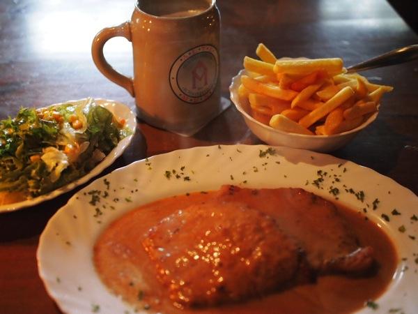 P81631801 ハイデルベルクで絶対おすすめ!シュニッツェルハウスのドイツ料理が美味い!
