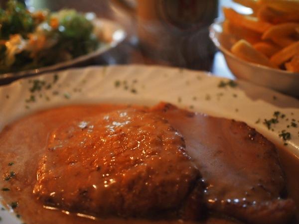 P8163184 ハイデルベルクで絶対おすすめ!シュニッツェルハウスのドイツ料理が美味い!