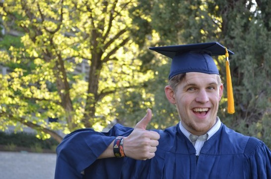 graduation 879941 640 546x361 英語留学ではなくドイツへ留学する時に気になった7つの疑問