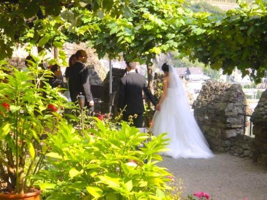 11012382 1036838526336339 32822541025475157 n 546x409 日本語OK!ドイツの古城で結婚式を挙げるならラインシュタイン城で憧れが実現!
