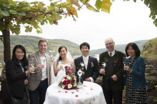11196360 943835425636650 2148249615309573737 n 546x363 日本語OK!ドイツの古城で結婚式を挙げるならラインシュタイン城で憧れが実現!