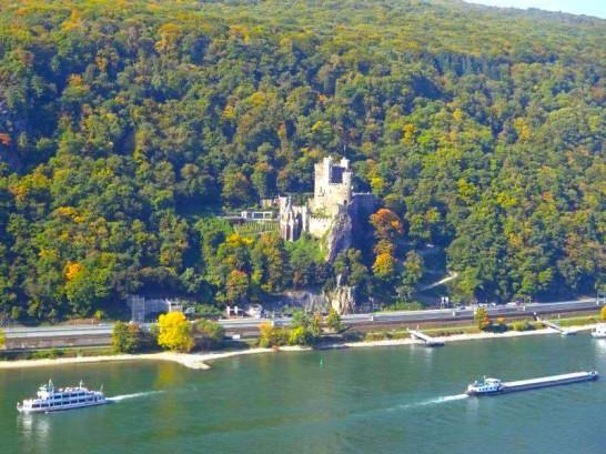12107051 1022767144410144 841780389137447733 n1 546x409 日本語OK!ドイツの古城で結婚式を挙げるならラインシュタイン城で憧れが実現!
