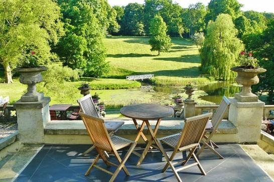 castle park 546x363 ドイツの古城ホテル・一流ホテルで有給インターンシップ受付中!