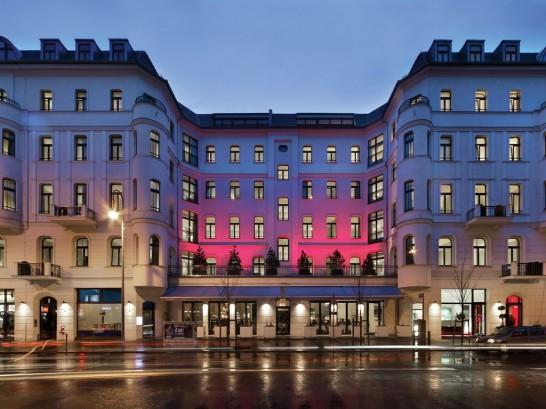 photo of Berlin hotel 546x409 ドイツの古城ホテル・一流ホテルで有給インターンシップ受付中!