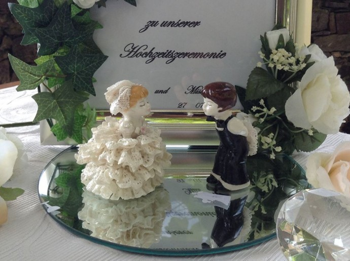 leinschtein gift 690x516 日本語OK!ドイツの古城で結婚式を挙げるならラインシュタイン城で憧れが実現!