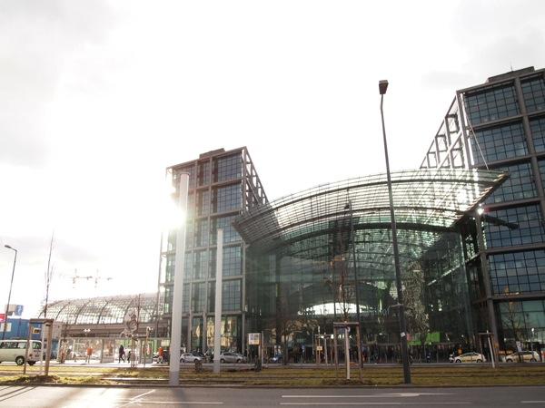 P2164186 ベルリン滞在にオススメのエリアは3つ!駅ごとに観光スポットを解説!